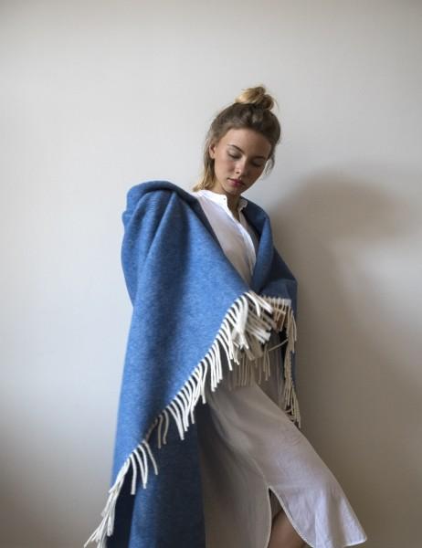 Decke Neuseelandwolle Brita Sweden Mono azure / blau