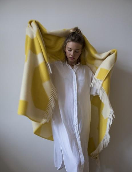 Decke Neuseelandwolle Brita Sweden Happy sulphur / gelb